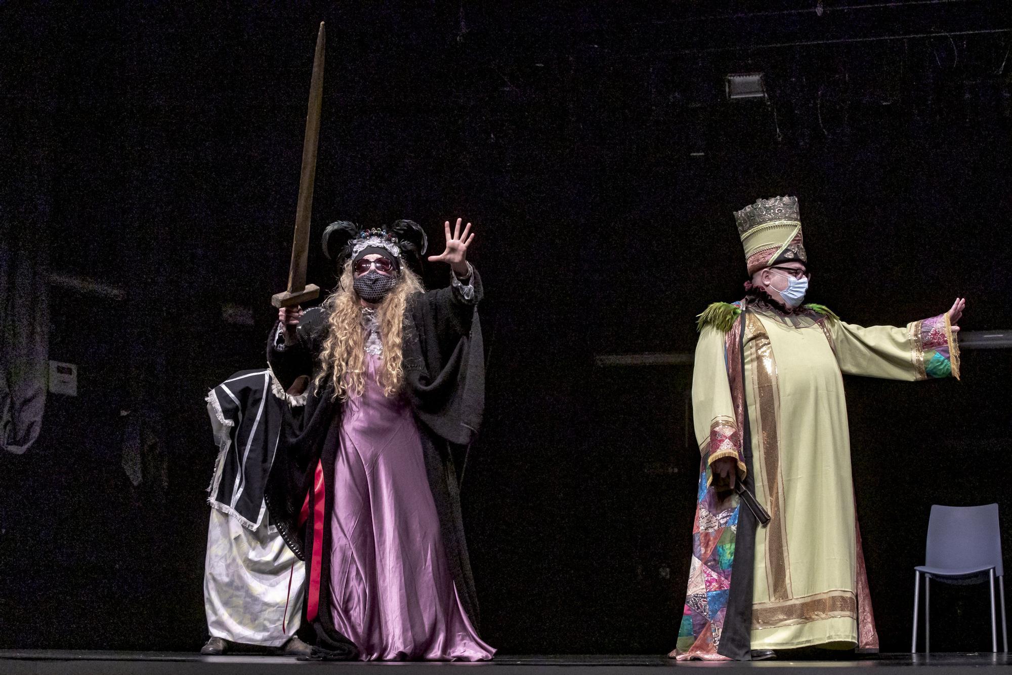 'L'Adoració dels Tres Reis d'Orient' promete morcillas para políticos y pandemia