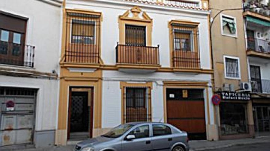 470.000 € Venta de casa en Córdoba (centro) 360 m2, 7 habitaciones, 4 baños, 1 aseo, 1.306 €/m2...