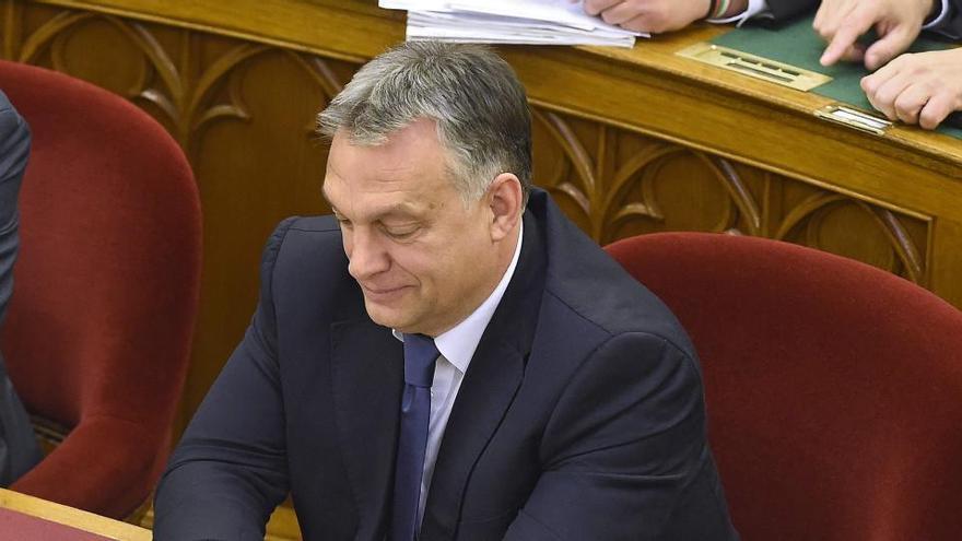 Hungría cierra sus fronteras a todos los extranjeros
