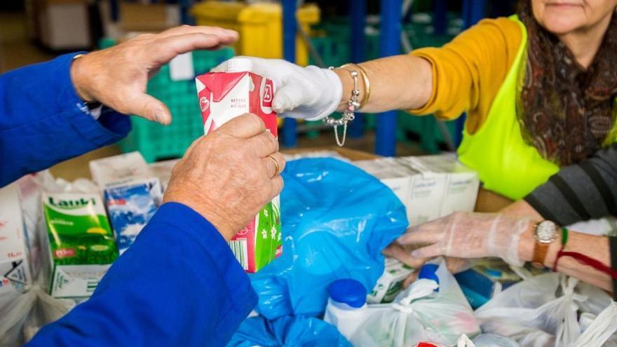 Coronavirus: La Caixa y CaixaBank impulsan una campaña en los bancos de alimentos por el Covid-19