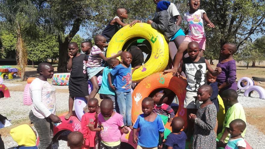 Un alumno de la UPV diseña un nuevo parque infantil para el orfanato de Chiredzi