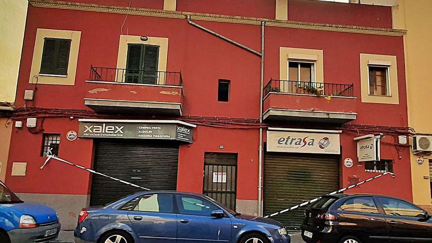 Herida grave una mujer en Palma al desplomarse una primera planta
