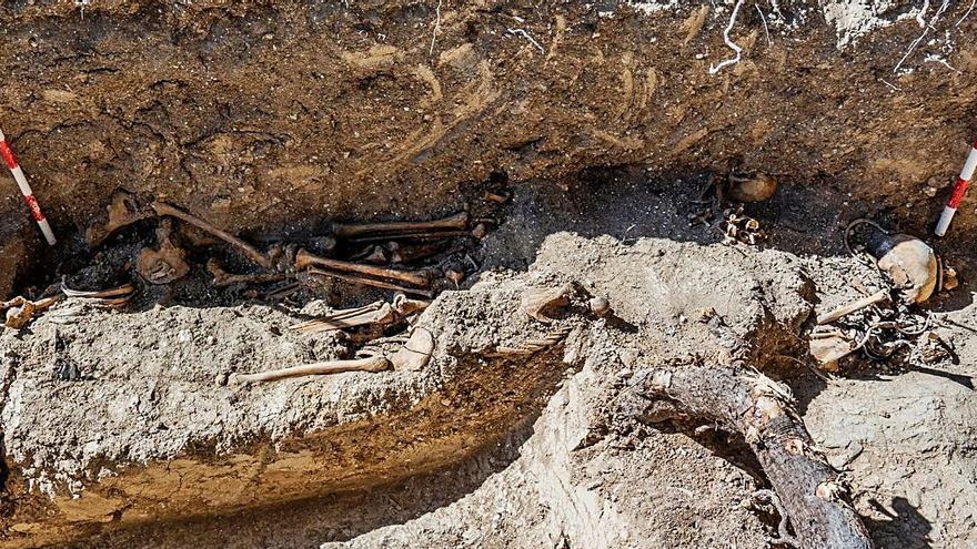 Magallón identifica el 63% de los restos de la fosa hallada en 2009