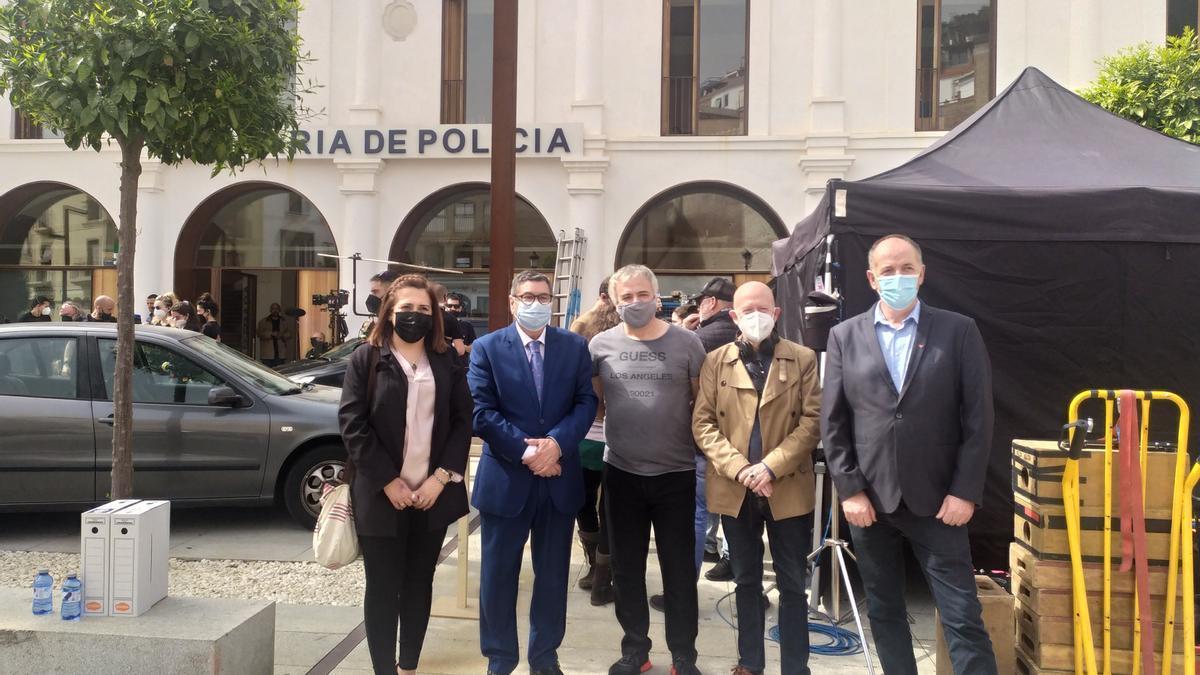 El alcalde de Vélez ha visitado el set de rodaje de Toy Boy.