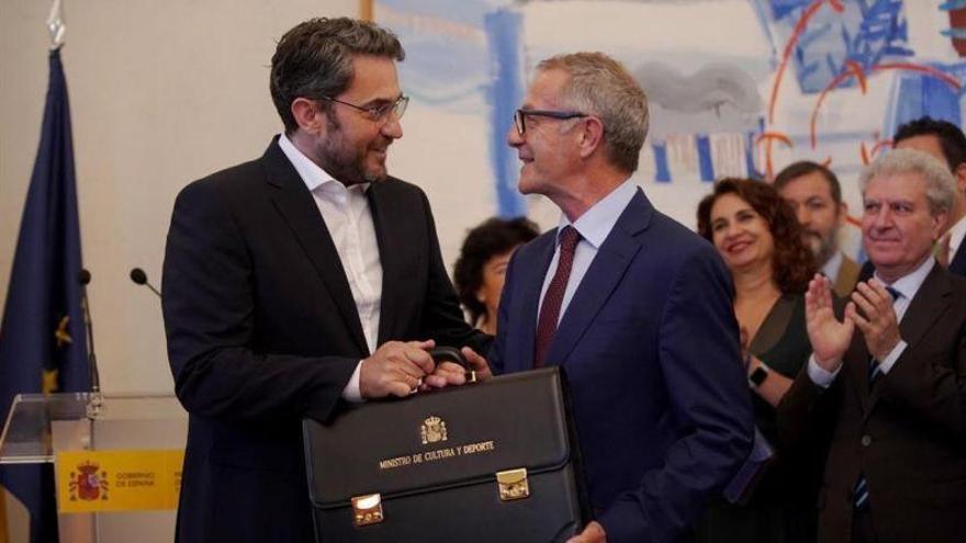 Màxim Huerta pasa el testigo a José Guirao