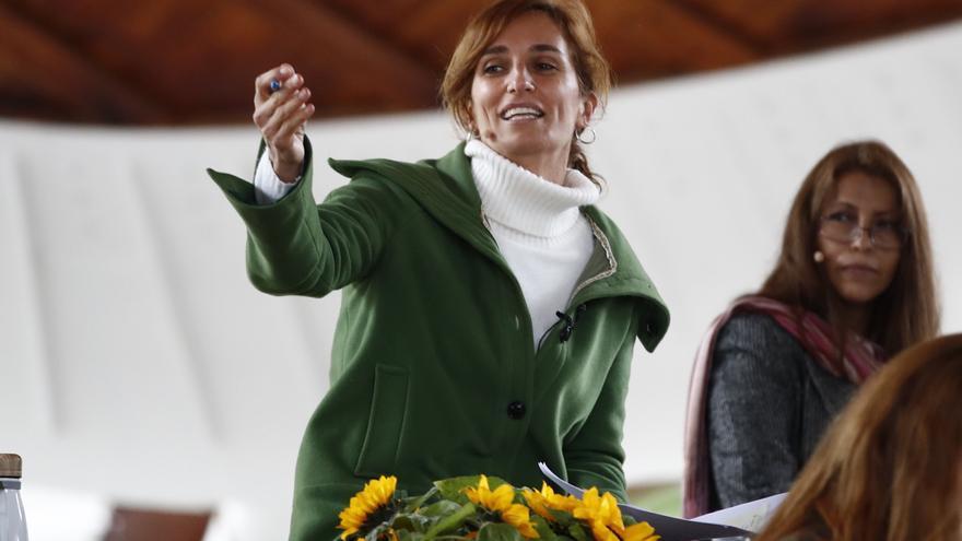 """Mónica García: """"Lo que nos ofrece Ayuso es volver a ser rehén, ahora de Vox"""""""