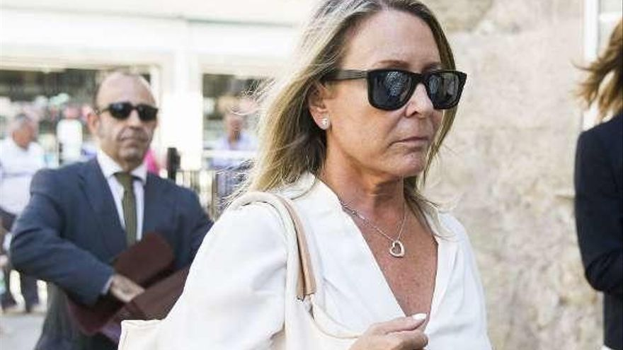 Marina Castaño, en el banquillo acusada de malversación en la Fundación Cela