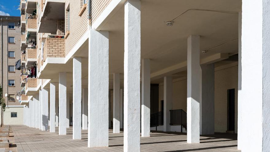 Vivienda regenera el entorno de 3.300 pisos públicos y pide más fondos al Gobierno