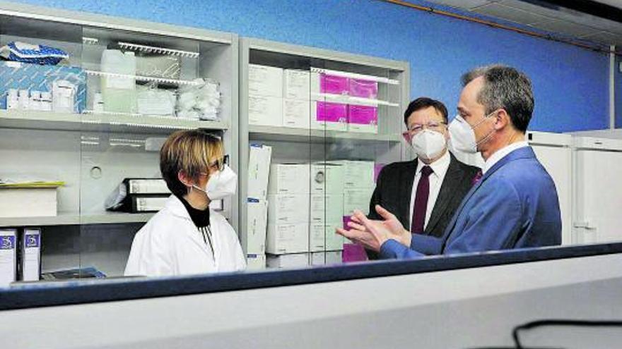 La preocupación por la cepa británica obliga a duplicar la secuenciación