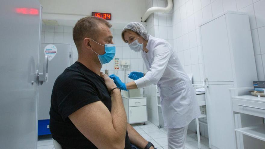Hungría podrá usar la vacuna rusa sin autorización