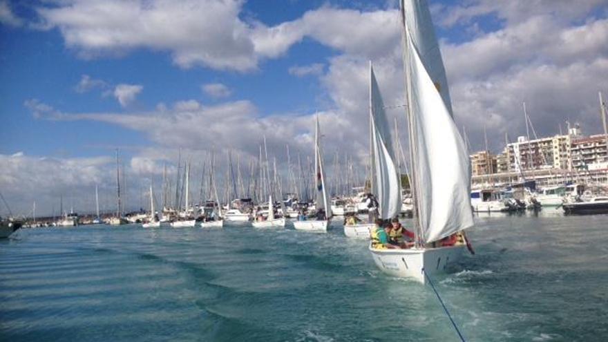 La Generalitat obri el 'Programa lliure d'estiu' d'activitats nàutiques 'A la mar 2021'