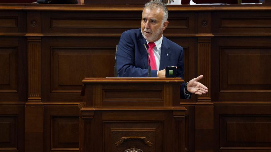 Torres espera que Canarias disponga de las competencias de costas en 2021