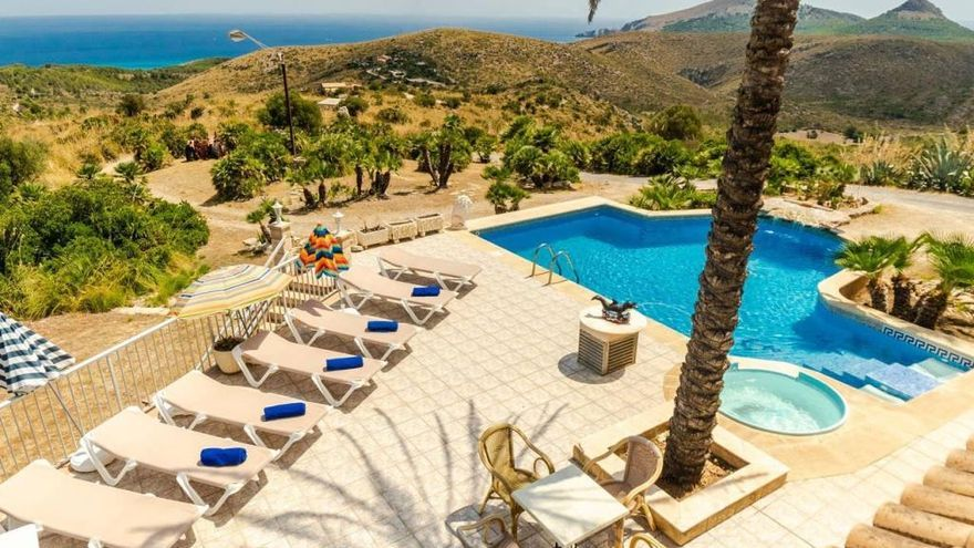 Inselrat ordnet Abriss von Pools an der Küste von Artà an