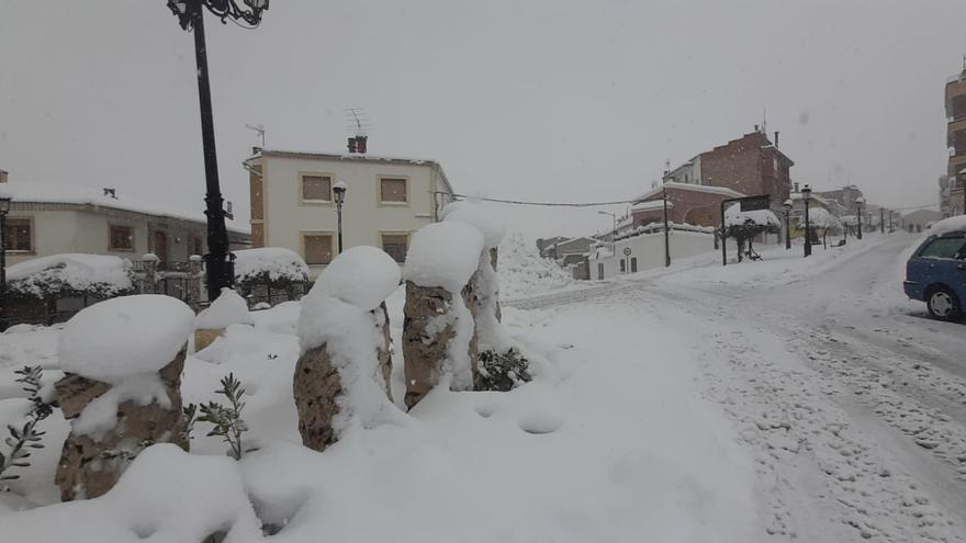 Sinarcas, bajo la nieve