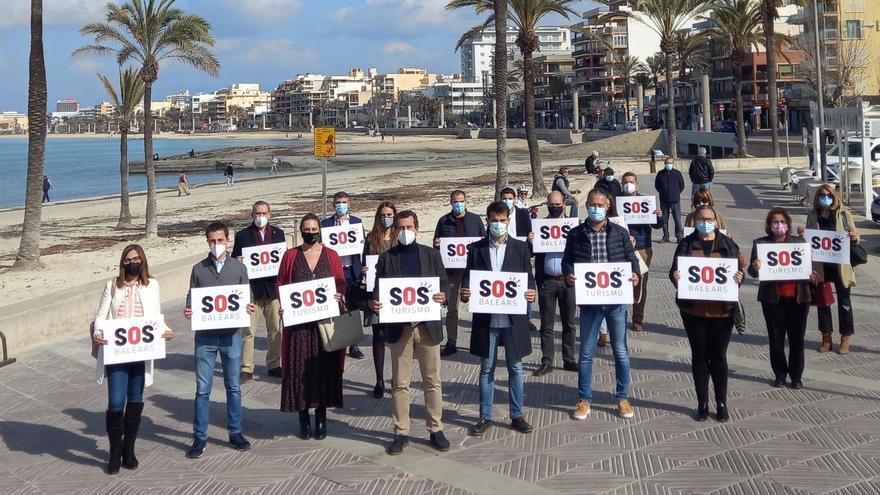 El PP se adhiere a SOS Turismo y avanza que presentará iniciativas en el Parlament, los consells  y los ayuntamientos