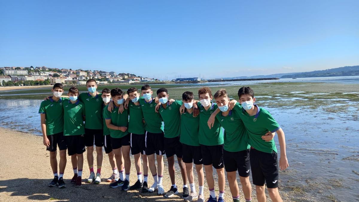 El Unicaja Infantil ganó al Ferrol.