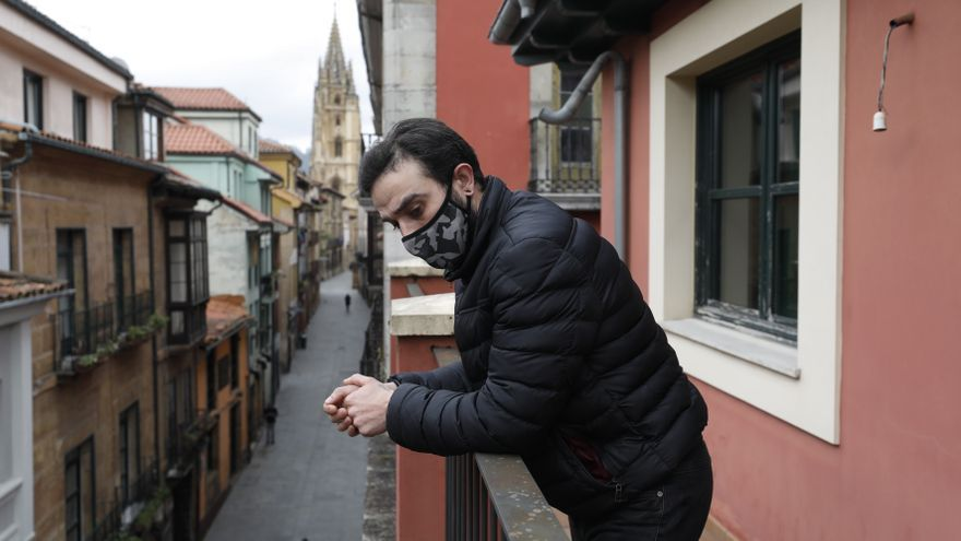 """Edificio """"okupa"""" con vistas a la Catedral de Oviedo: """"Muchos hemos amueblado y realizado algunas mejoras"""""""