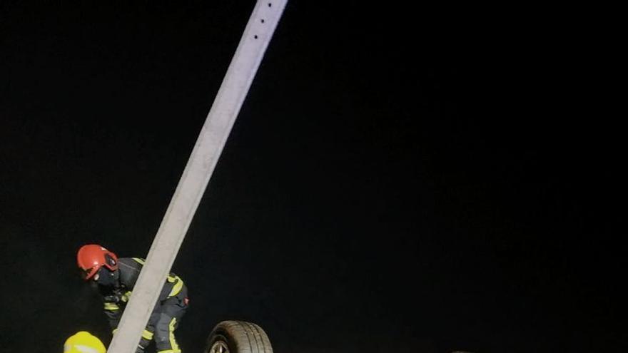 Un preso de permiso penitenciario sin carné ni cinturón: así fue el accidente mortal de Verín
