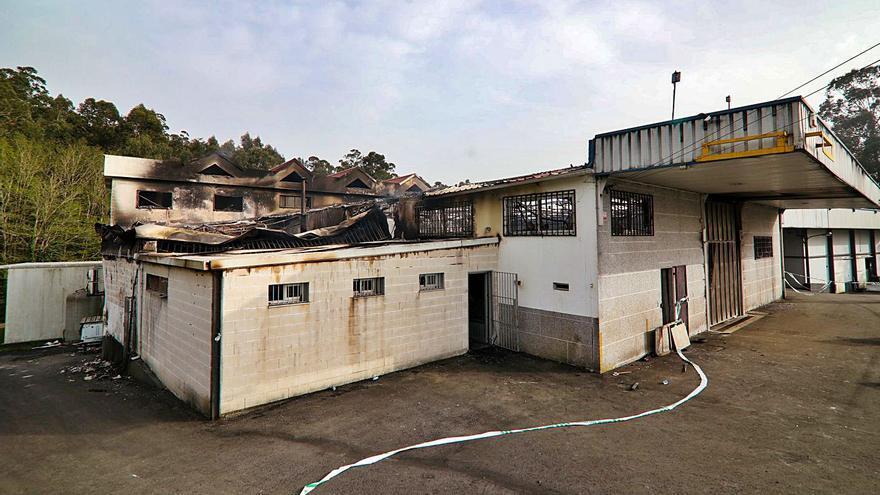 Bacalao Outón mantiene los puestos de sus veinte trabajadores tras el incendio
