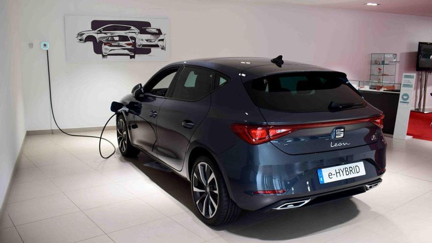 Seat León: El primer híbrido enchufable de Seat