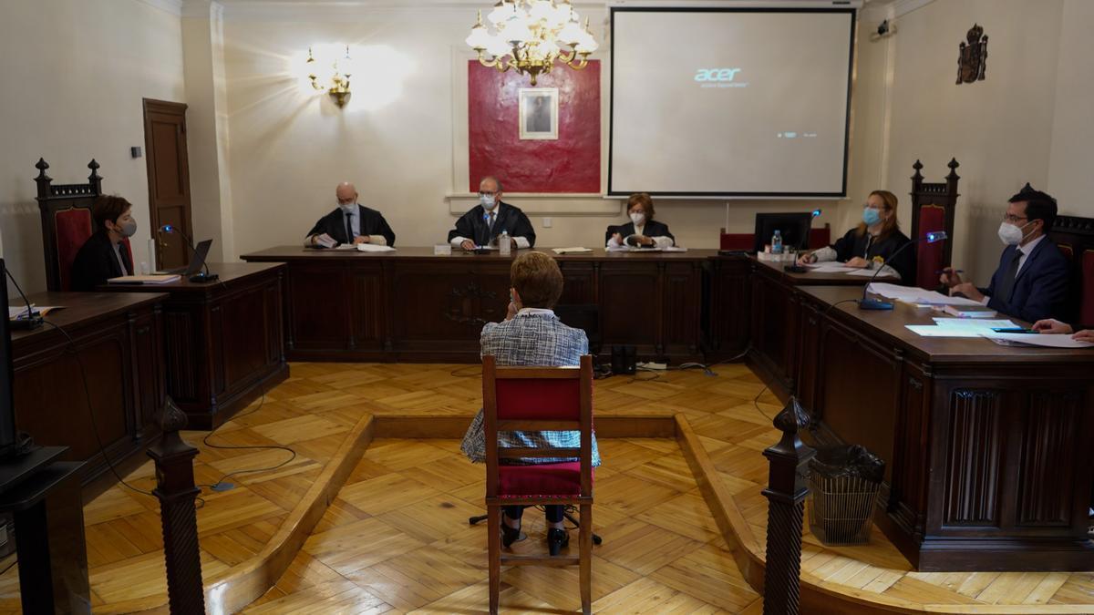 Juicio a la cuidadora del sacerdote celebrado en la Audiencia Provincial