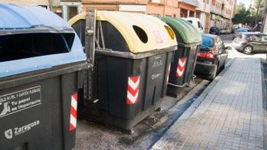 Zaragoza endurecerá las sanciones por dejar basura fuera de los contenedores