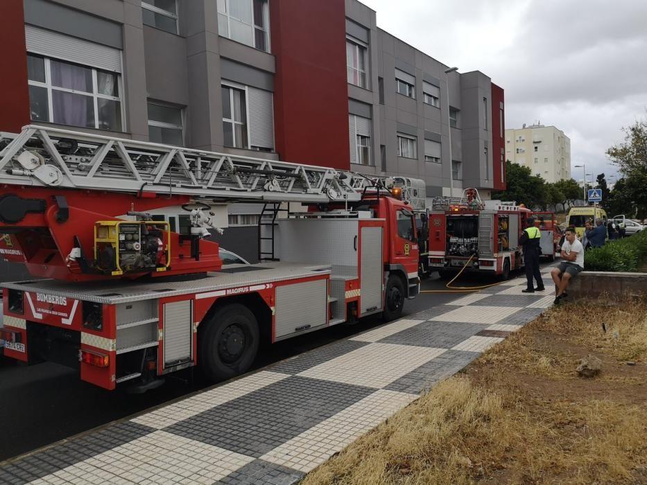 Incendio en una casa de Las Palmas de Gran Canaria (23/04/18)