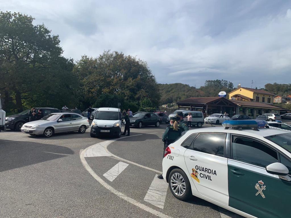 La protesta del comercio y la hostelería del Valle del Nalón no pudo llegar a Oviedo