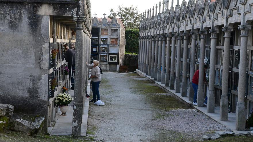Cangas permite visitas de 60 minutos al cementerio