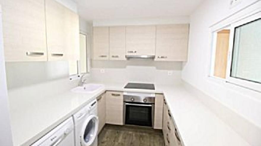 475 € Alquiler de piso en Cullera 115 m2, 3 habitaciones, 2 baños, 4 €/m2, 2 Planta...