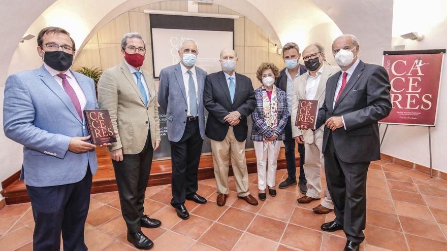 Cáceres ensalza su patrimonio con una nueva guía histórica