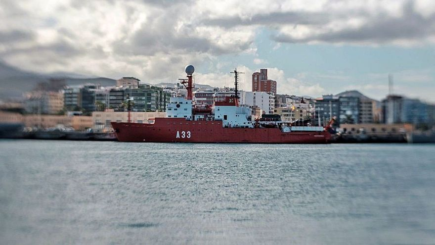 Un oficial de la Armada del buque 'Hespérides' fallece en Canarias por Covid-19