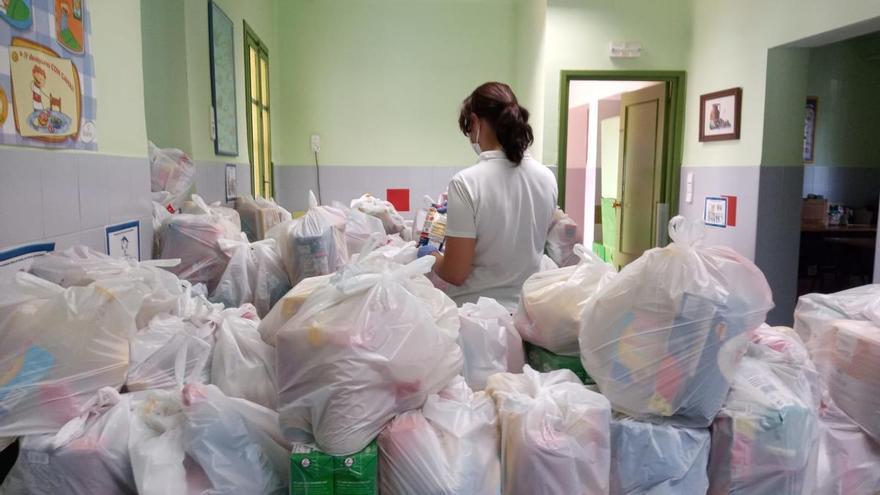 Manises inicia un banco de alimentos para ayudar a la población más vulnerable