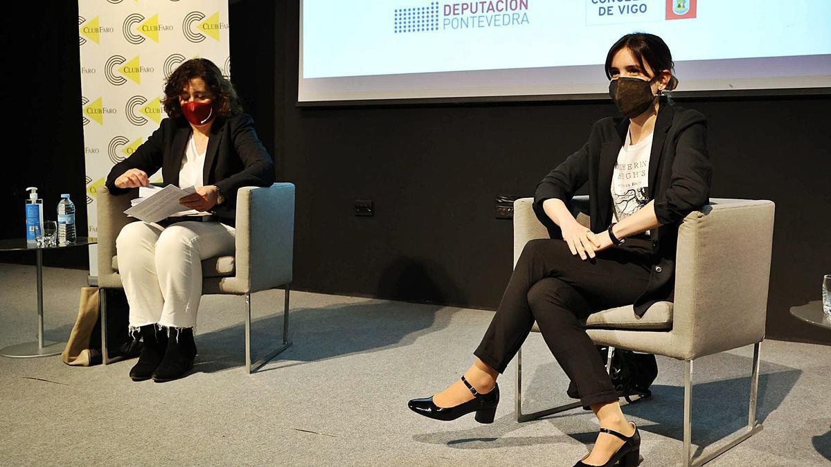 María López Villarquide (d.) fue entrevistada por Lucía Trillo.     // ALBA VILLAR
