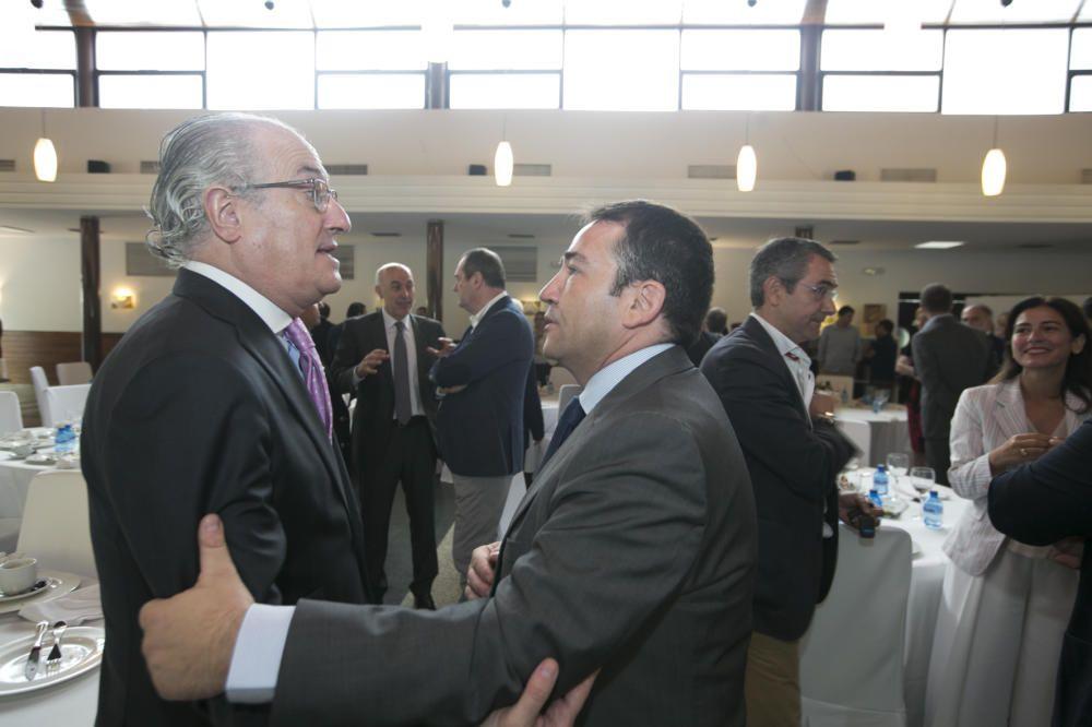 Rafael Simón charla con Manuel Illueca