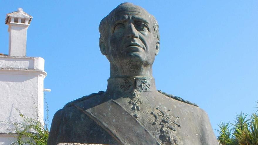 IU y Podemos piden retirar el busto del rey emérito de la plaza de Los Naranjos
