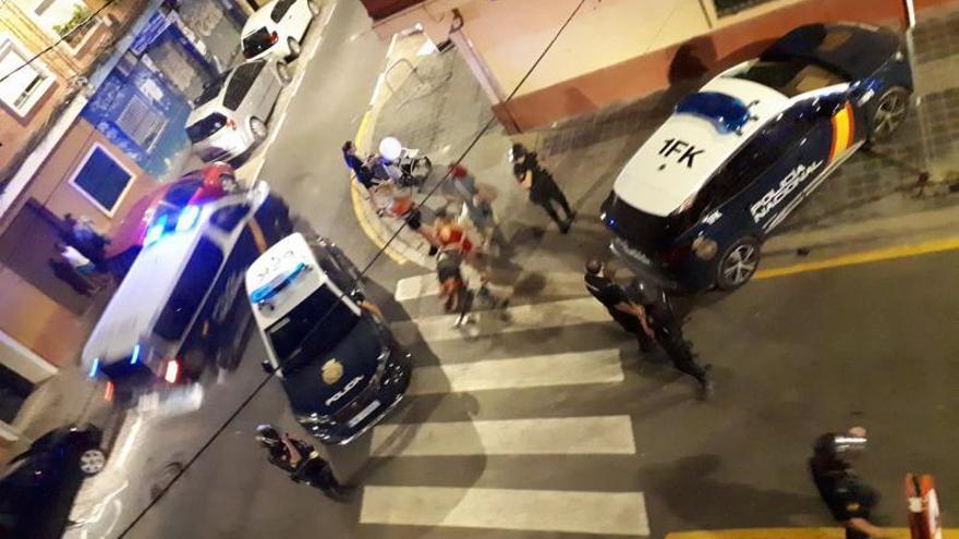 Los vecinos de Orriols   reclaman mayor presencia policial por la noche