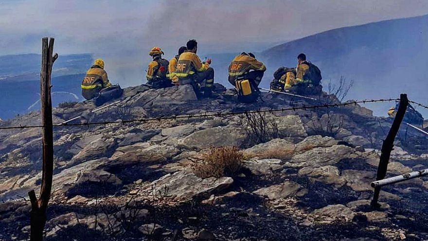Más de 321 horas en helicóptero para luchar contra 74 incendios forestales