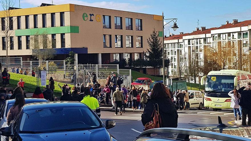 La AMPA amenaza con movilizaciones si no se modifica el acceso al Celestino Montoto