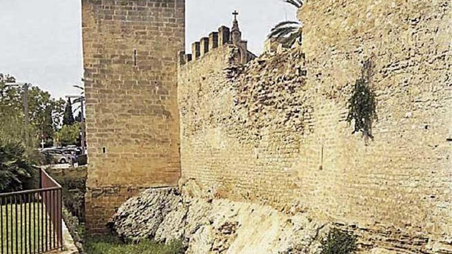 An der Stadtmauer von Alcúdia drohen weitere Einstürze