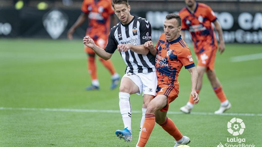 El equipo le falla a la afición del Castellón en el desafortunado regreso del público (0-2)