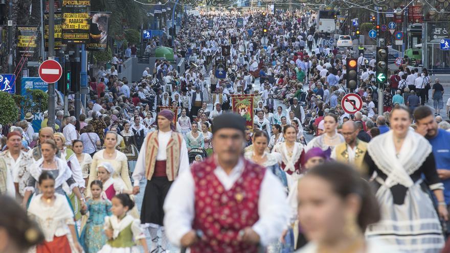 Alicante suspende las Hogueras en junio y supedita al ritmo de la vacuna celebrarlas este año