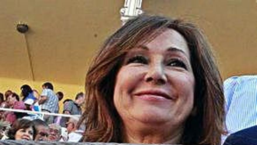 Intenso 12 de octubre para Ana Rosa y su marido Juan Muñoz