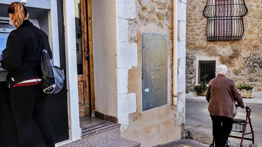 La Generalitat instalará 135 cajeros automáticos en zonas despobladas de la Comunidad