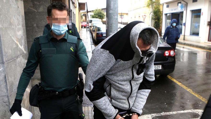El asaltante de Llanes, ya en prisión, buscaba la recaudación del estanco