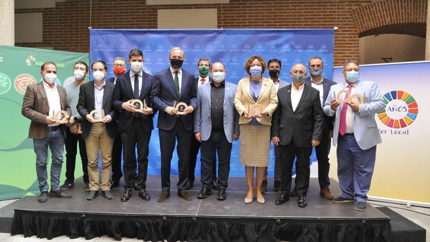 Aínsa y la Fundación Quebrantahuesos reciben el Premio de Buenas Prácticas Locales por la Biodiversidad