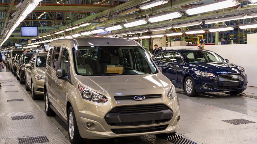 Ford tranquiliza a Almussafes con un nuevo motor y prorroga la vida de la furgoneta