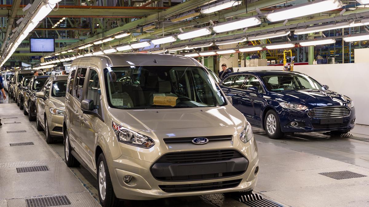 Furgonetas en la planta de Ford Almussafes