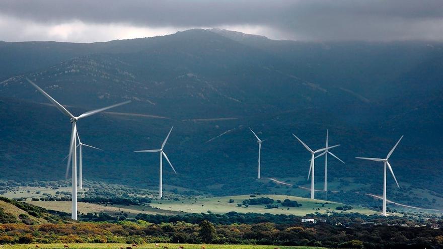 La UE da a España la bala de plata en la pugna de 10.000 millones con fondos renovables