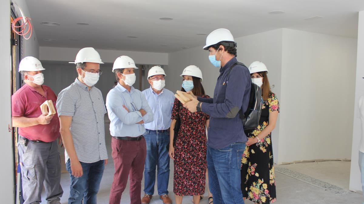 Visita a las obras del nuevo local para la asociación AFAO